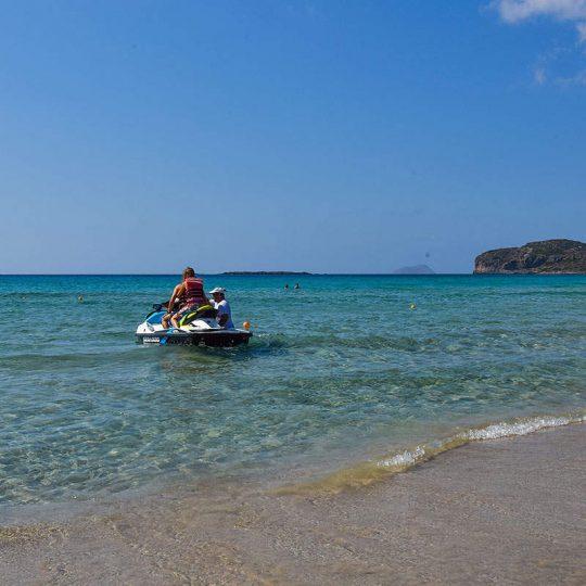 https://louladakis-apts.gr/wp-content/uploads/2016/03/louladakis_apartments_falassarna_beach-540x540.jpg