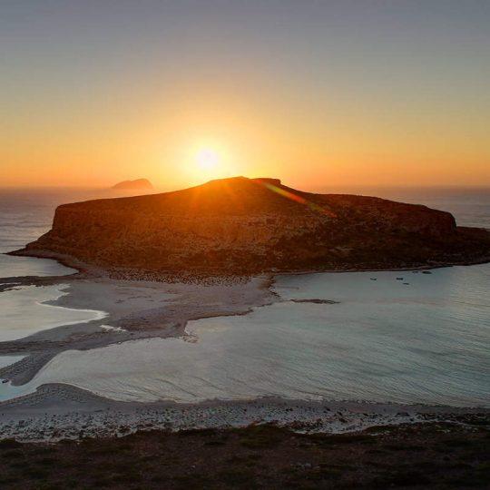 https://louladakis-apts.gr/wp-content/uploads/2016/03/louladakis_chania_balos_sunset-540x540.jpg