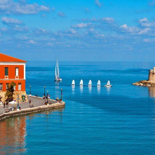 https://louladakis-apts.gr/wp-content/uploads/2016/03/louladakis_venetian_harbor_2-540x540.jpg