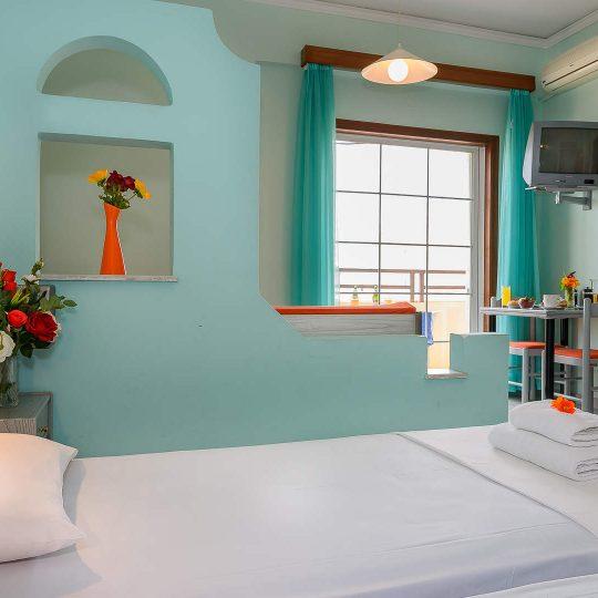 http://louladakis-apts.gr/wp-content/uploads/2017/04/louladakis_apartments_relaxation-540x540.jpg