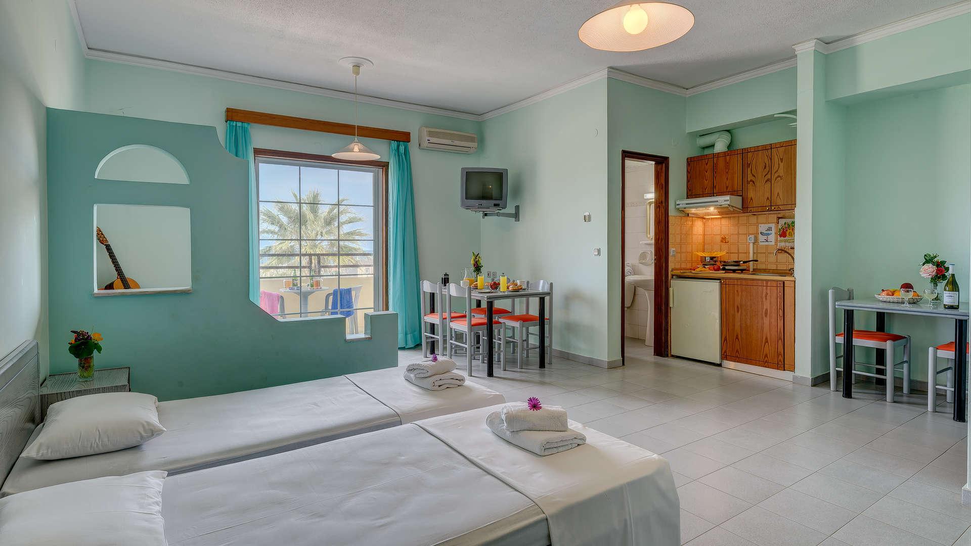 http://louladakis-apts.gr/wp-content/uploads/2017/04/louladakis_apts_large_apartment19.jpg