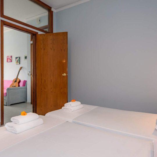 http://louladakis-apts.gr/wp-content/uploads/2017/04/louladakis_rooms_chania-540x540.jpg
